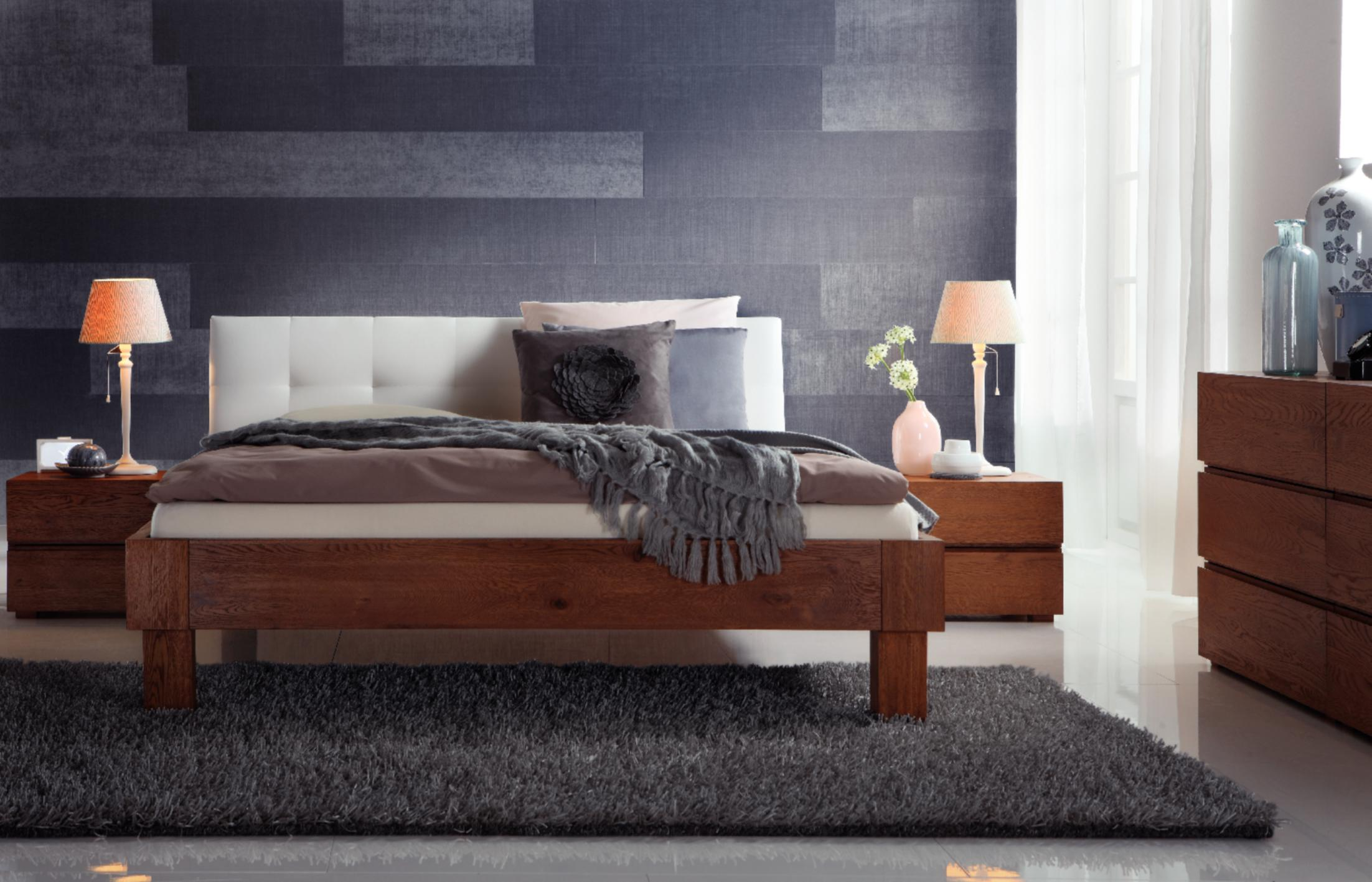 jetzt entdecken wasserbett mit massivholz bettrahmen. Black Bedroom Furniture Sets. Home Design Ideas
